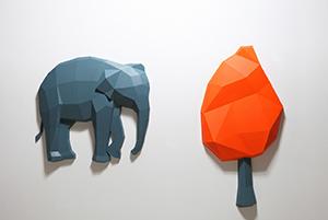 17.김정민, 전달된 기억, 2014, frp, (코끼리)120x110cm, (나무) 160x80cm